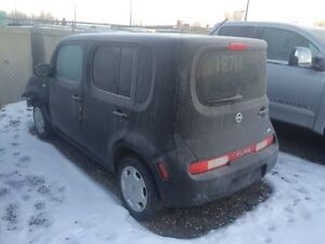 Parting out 2010 Nissan Cube