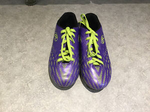 Soccer Shoes Size 2 and 3 Plus Cleats