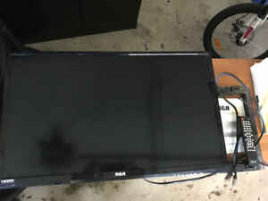 "RCA 32"" Flat Screen TV"