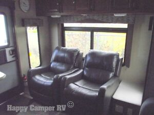 30' Prestigious Travel Trailer with Bedroom Slide-out Moose Jaw Regina Area image 12