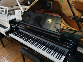 Kawai GL-10 baby grand piano black polyester new for sale