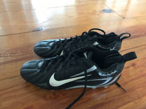 Brand new soccer cleats size 10 NIKE
