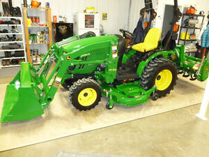 LIKE NEW 2014 JD 2025R