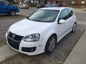 2007 Volkswagen GTI Coupe with Sunroof, Paddle Shifters & AUX