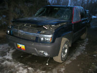 Wrecking 2005 Chev Avalanche