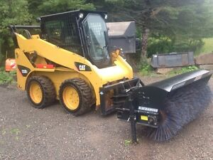 232B Cat Skid Steer with 4 Attachments