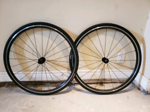 700cc axis sport road/hybrid wheelset