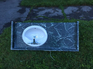 Free bathroom counter and sink