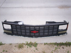 Chevy C1500  SS mirrors and grill