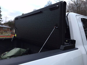 Under Cover Hard Folding Truck Bed Cover Peterborough Peterborough Area image 3