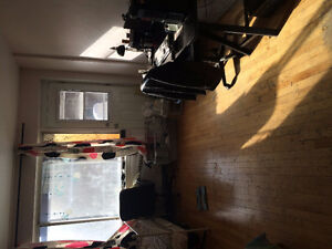 sublease apartment, give all furniture
