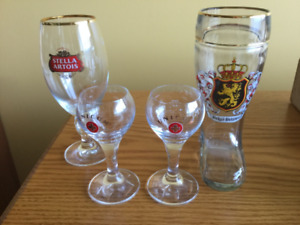 COLLECTION OF BEER VESSELS & LIQUER GLASSES
