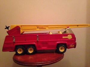 Vintage FIRE TRUCK FOR SALE  ( TONKA)