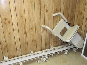 Electric Stair Lift/Climber for the Handicapped West Island Greater Montréal image 2