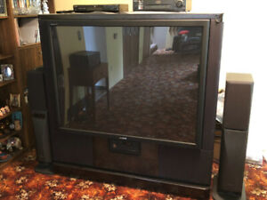 """61"""" Sony TV Rear Video Projector Great condition by only owner."""