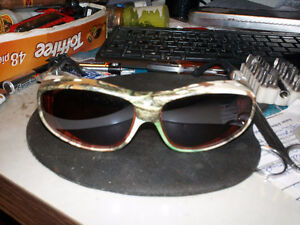 NEW POLARIZED SUNGLASSES YOU WEAR OVER YOUR GLASSES
