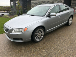 Volvo S80 T6 All Wheel Drive - Comes With Winter Tires