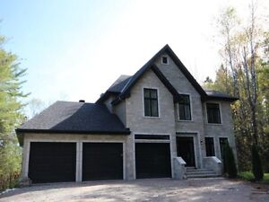 Luxurious property of 2517 square feet. Must visit !