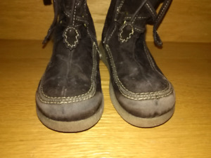 Size 9 toddler brown suede boots