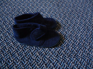 Boys Size 9/10 Toddler Navy Cord Soled Slippers Kingston Kingston Area image 2