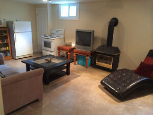 2 Bedroom Close to Fleming College