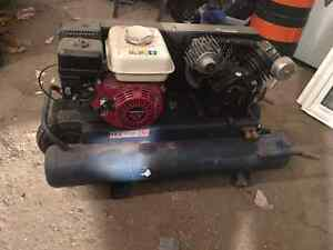 12.5 CFM Honda power gas compressor Kitchener / Waterloo Kitchener Area image 1
