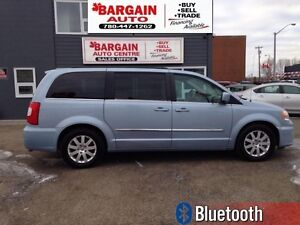 2013 Chrysler Town  Country Touring