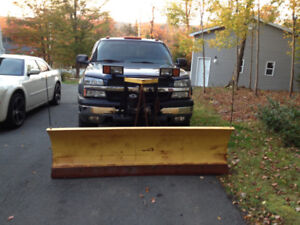 7.5' Fisher plow with brackets & wiring for 1999-2007 Chevy/GMC