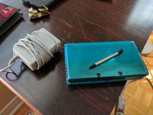Nintendo 3DS - Used - Good Condition - Blue