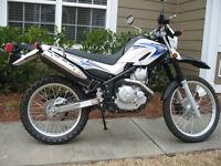 Near mint Yamaha XT250 dual sport bike.
