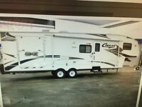 Cougar SRX 310 5th wheel Toyhauler