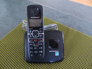 Motorola phone - answering machine & voicemail (great condition)