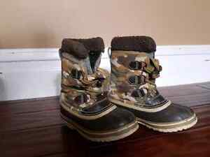 Sorel kids insulated boots size 13 Peterborough Peterborough Area image 1