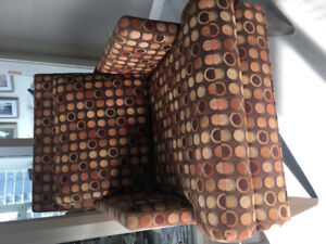Amazing polka dot accent chair - like new!