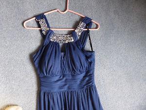 Beautiful full length dress Belleville Belleville Area image 2