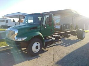 2008 International 4400 Cab & Chassis Air Brakes Low KM'S