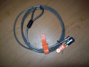 Laptop cable lock with key London Ontario image 1