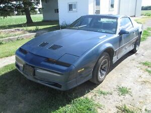 '85 Trans Am $4000.00 O.B.O. / TRADE FOR PICK-UP TRUCK