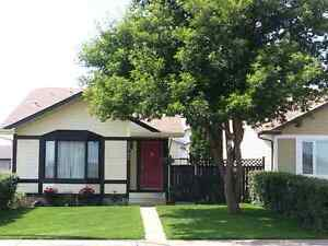 MOVE IN TODAY IN GIBBONS ! Edmonton Edmonton Area image 8