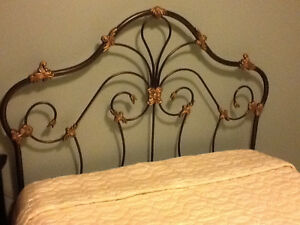 Queensize headboard with frame