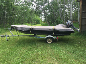 Offering my boat for sale-Garmin Fish Finder comes with the boat