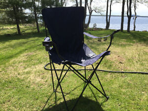 Giant fold up camp chair