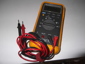 Fluke 87 true RMS BARRIE reduced to $260