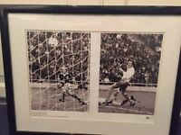 Framed and signed Archie Gemmill pictire