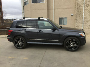 PRICED TO SELL!! 2010 Mercedes-Benz GLK350 4matic