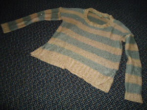 Ladies Size M/M Lightweight Knit Sparkle Long Sleeve Sweater