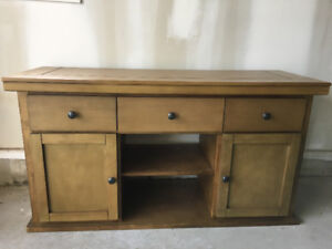 Great TV bench/Hutch/Sideboard