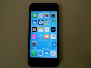 UNLOCKED iPhone 5 16GB Cell Phone