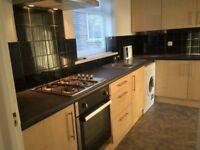 2 bed flat, double, Burnage, close to all amenaties, train station, bus stop, Tesco