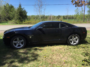Must sell 2010 Chevrolet Camaro, never seen winter